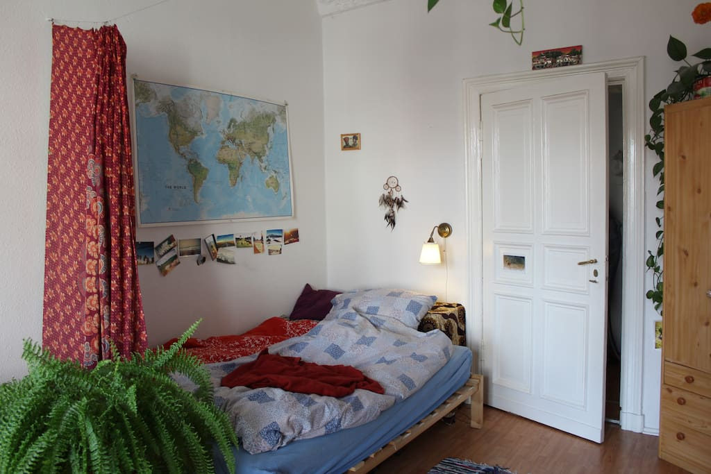 hell und gem tlich im herzen neuk llns appartementen te. Black Bedroom Furniture Sets. Home Design Ideas