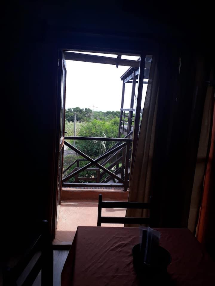 Apartamento , con balcón y vista al mar 4 adultos
