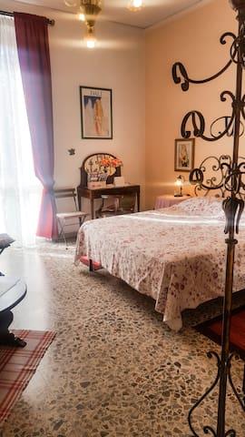 Florentine Charlotte's room -Priv. Bathroom