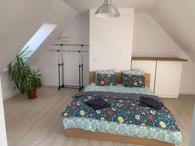 uppstairs bedroom with double bed