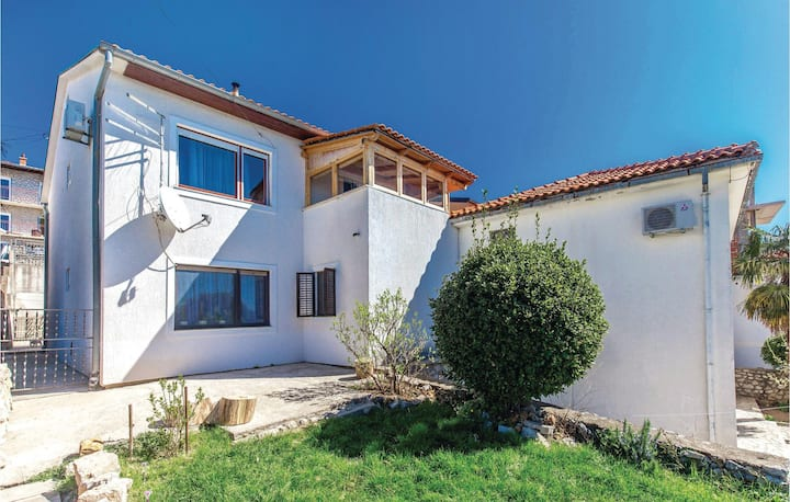 Awesome home in Selce with WiFi and 2 Bedrooms