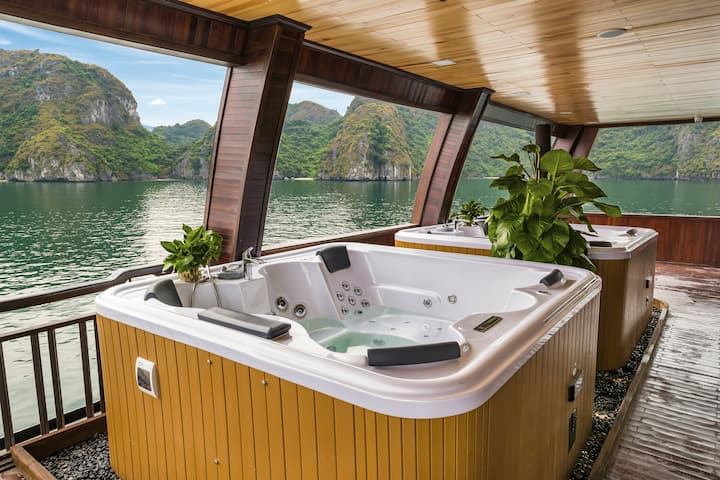 Luxury 5 star cruise Halong Bay 2D1N