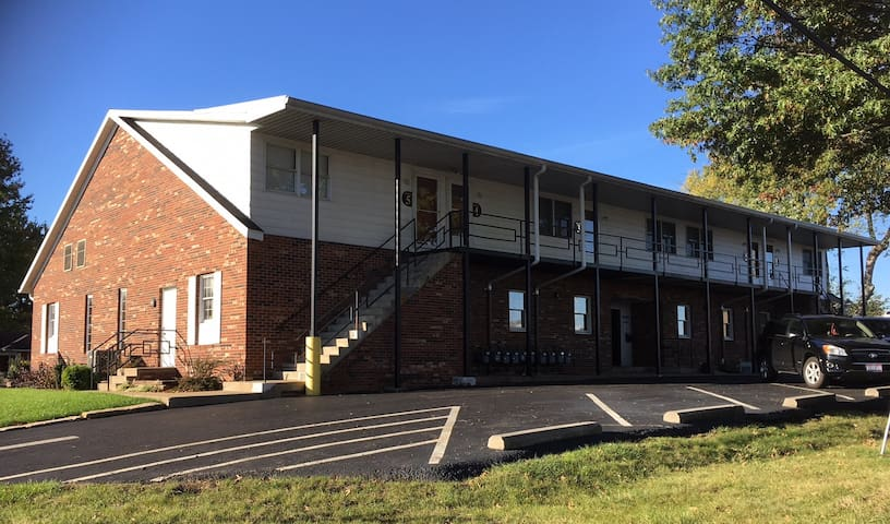 Weekly Rental 1BR/1BA North Zanesville