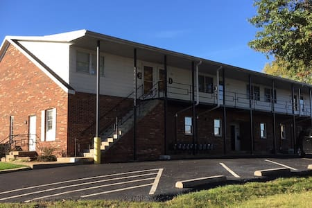 Weekly Rental 1BR/1BA North Zanesville