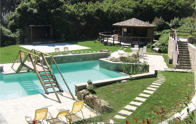 Holiday apartment with 1 bedroom on 45 m² in Montepiano (PO)