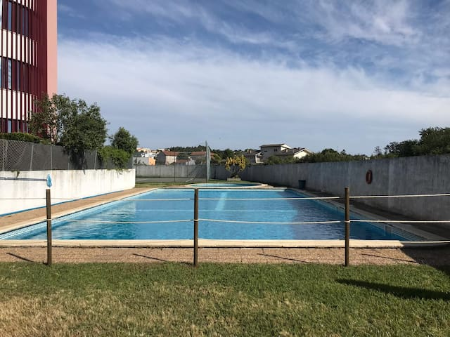 Beach, Pool and Tennis 10min. downtown Porto
