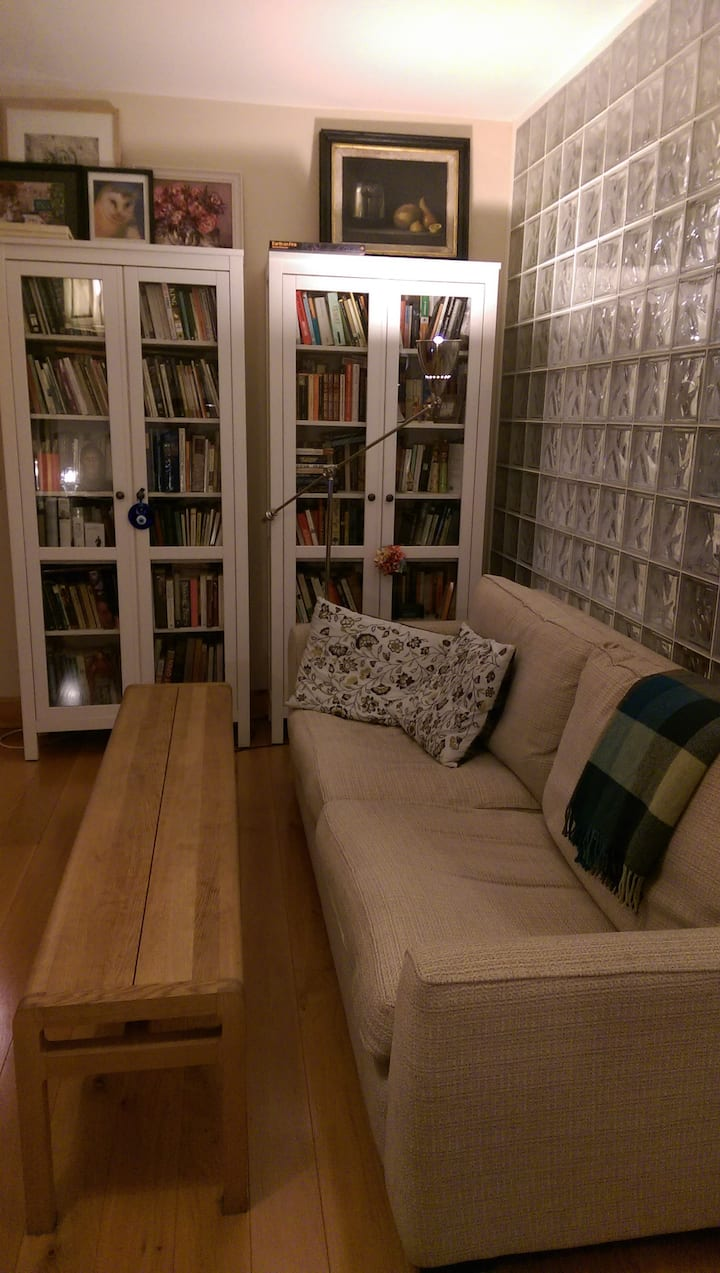 Single room in bright, modern apartment
