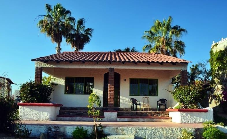 Petite Hilltop Villa - Casa Verde - Todos Santos - House