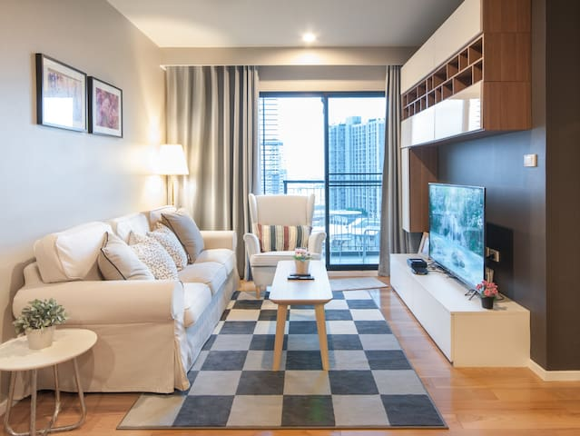 BIG!! Cozy Quiet Room near BTS Onnut WIFI Pool GYM - Bangkok - Flat