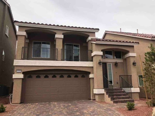 Private and Safe Master Suite Near Strip.
