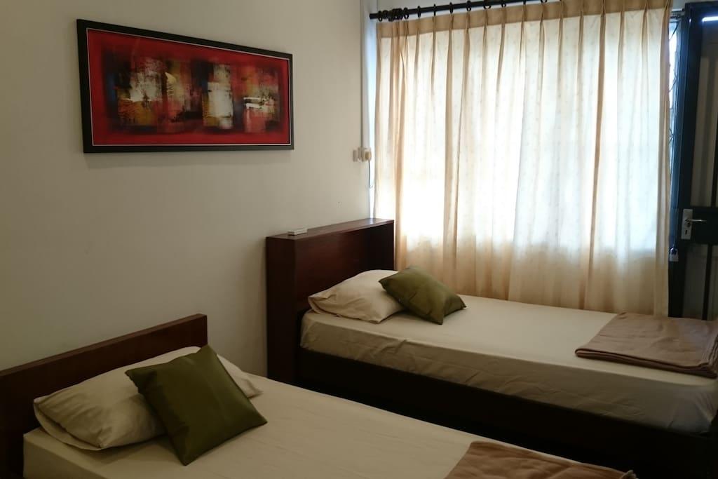 Bedroom 3 (2 Single bed + a futon)