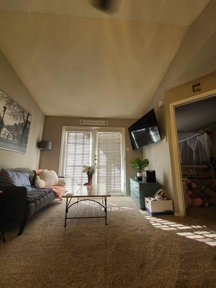 Comfy Cute Apartment Home