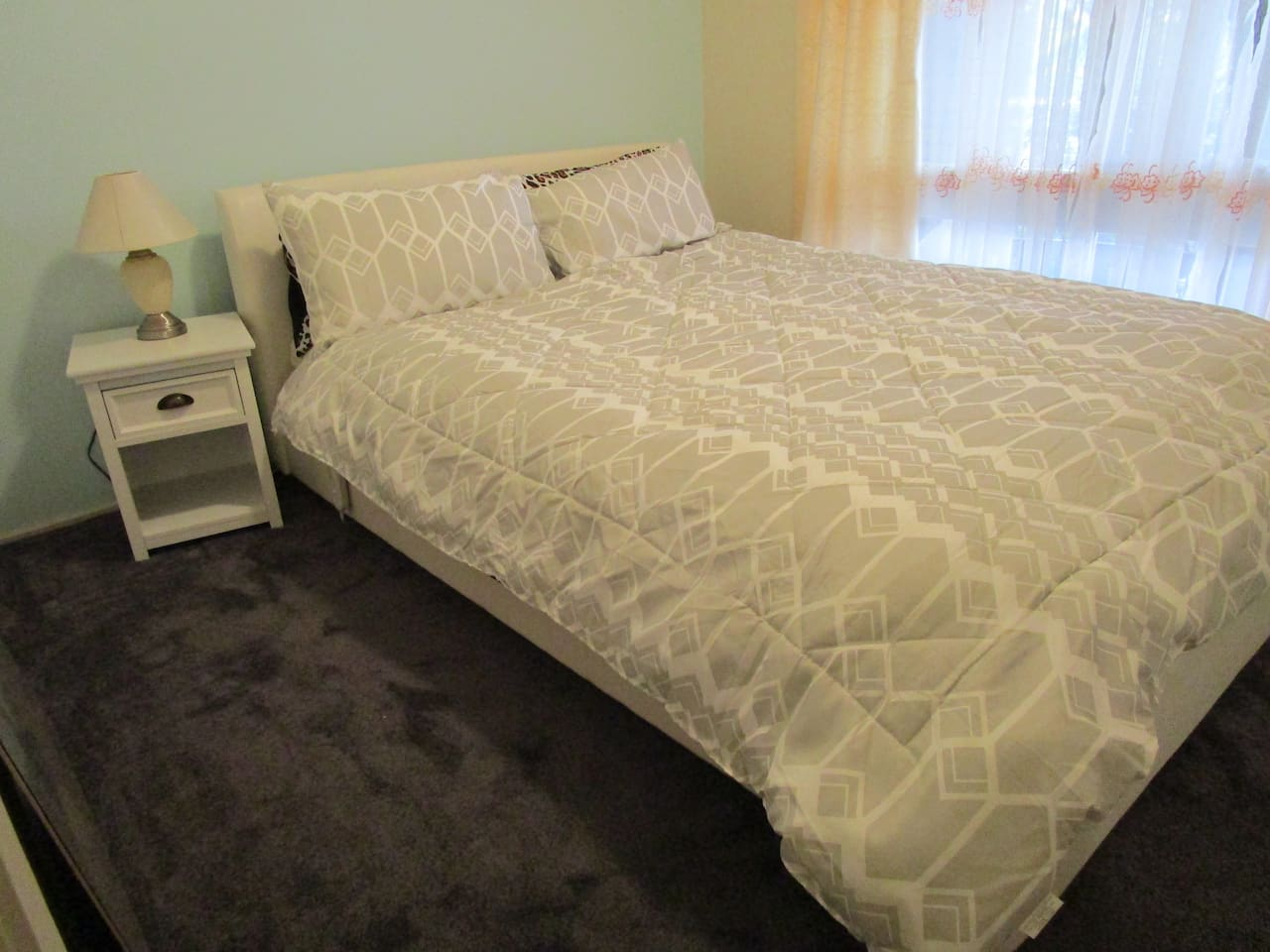 Queen bed with electric blankets