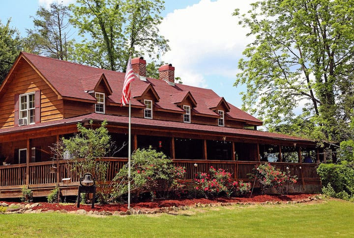 2.Grandview Lodge in the Great Smoky Mountains