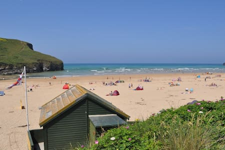 Beach Retreat - overlooking the sea - Mawgan Porth - Дом