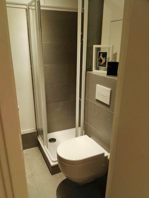 Little cute Bathroom with Shower Villeroy &Boch