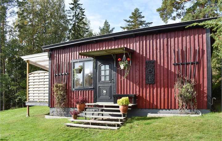 Beautiful home in Finspång with