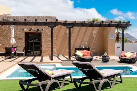 La Morisca - Modern and cozy finca with pool