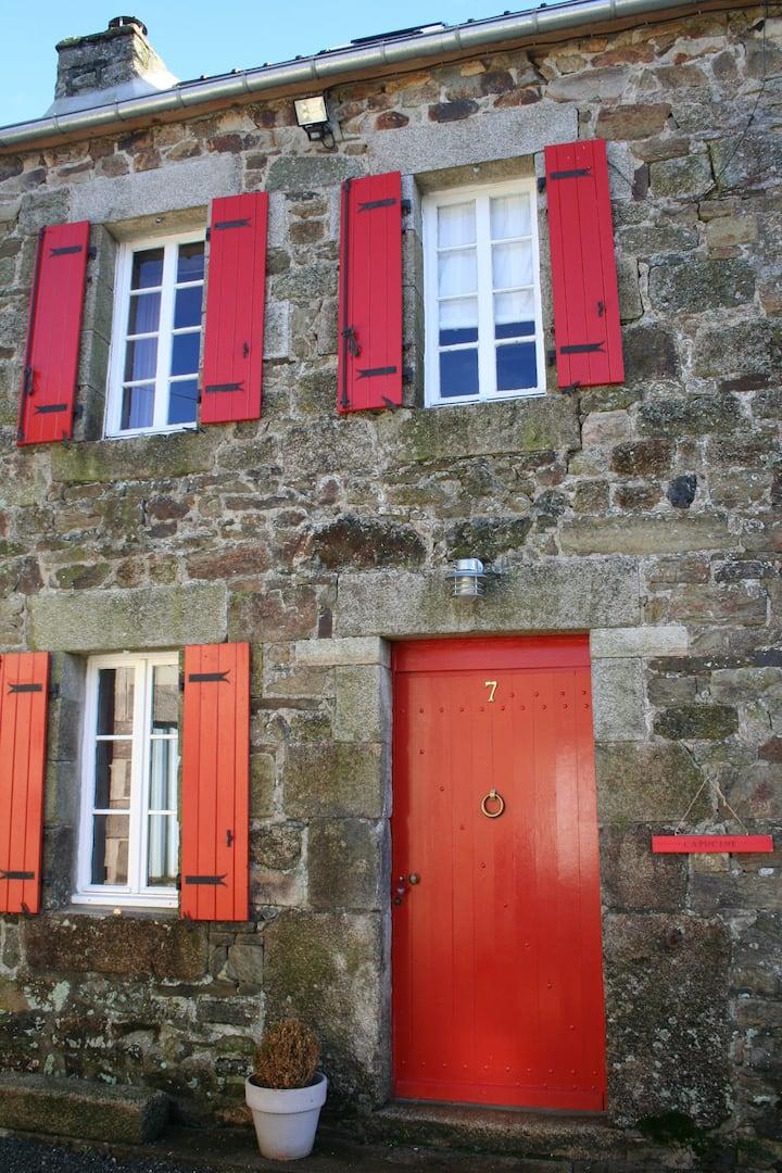 CAPUCINE, une charmante petite bretonne !