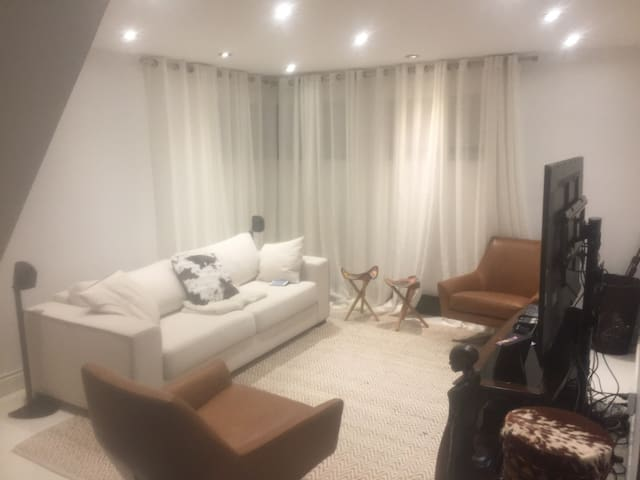 Nice room in Mont Royal - Mont-Royal - Daire