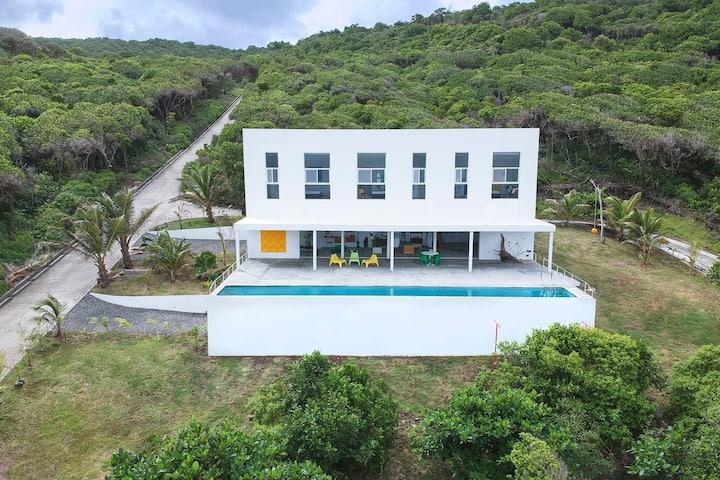 StandFast Oceanfront Villa - Bequia