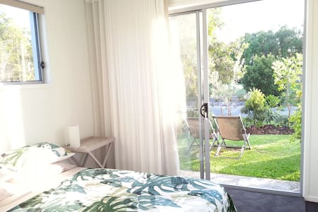 Private access & ensuite Beachside - Yaroomba - 一軒家