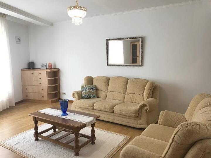 Amplio y acogedor apartamento en Carballo