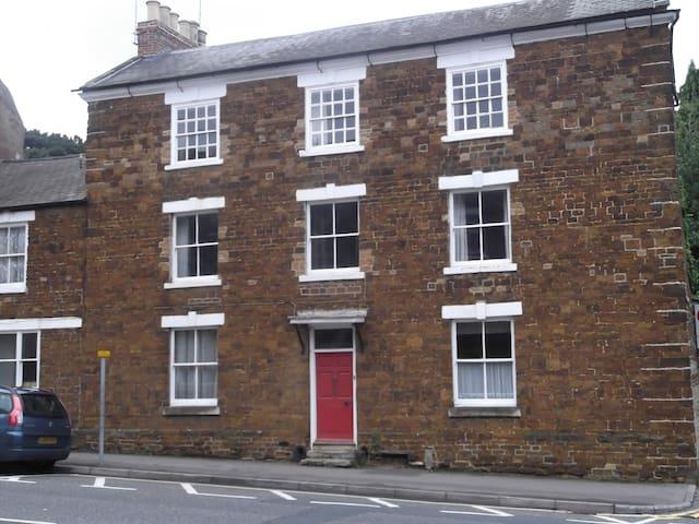 Double Bedroom in Wellingborough Town Centre - Wellingborough - Stadswoning