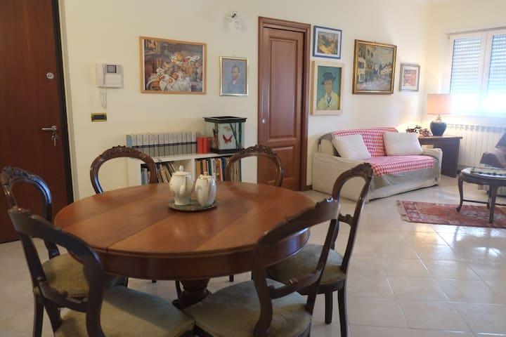 Viterbo large apartment steps to Tuscia University