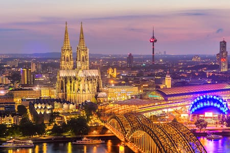 cosy appartment in cologne with parking for free - Köln - Wohnung