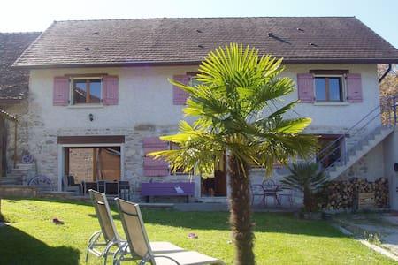 Villa de charme de 170m2 6-8 pers - Brens - House