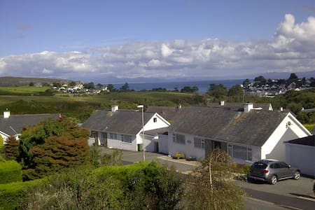 Family holiday home in Abersoch - Rumah