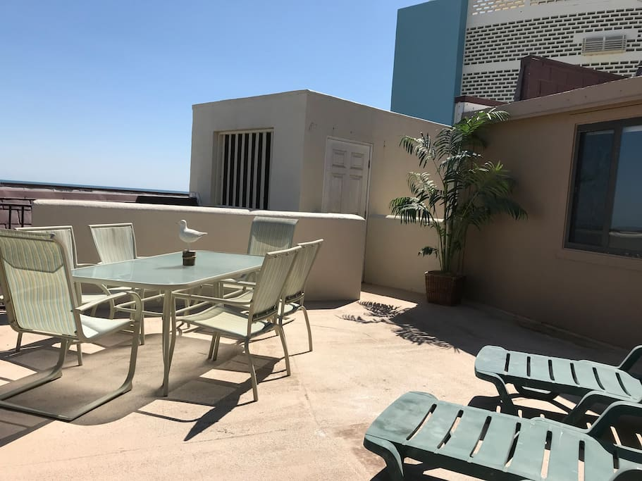 Large, private top floor patio