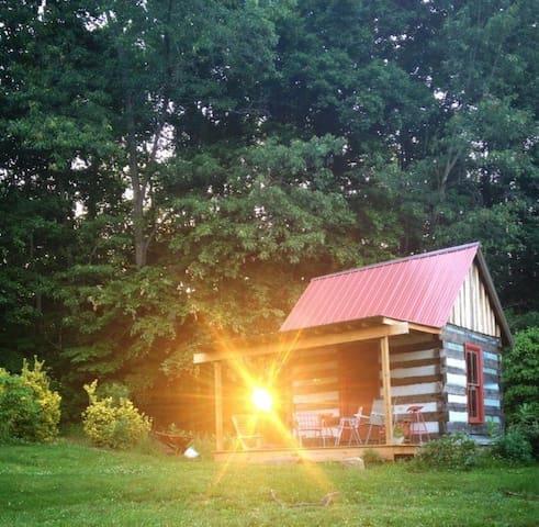 Tiny House Log Cabin at Beechwood View Farm