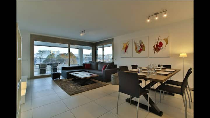 LUXE MINIMALIST 3 BEDROOMS FLAT-POOL-FREE PARKING