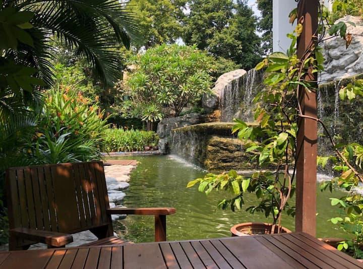 bangkok Circle Condominium 曼谷试管国际医院边上走路即达安全干净舒适便利