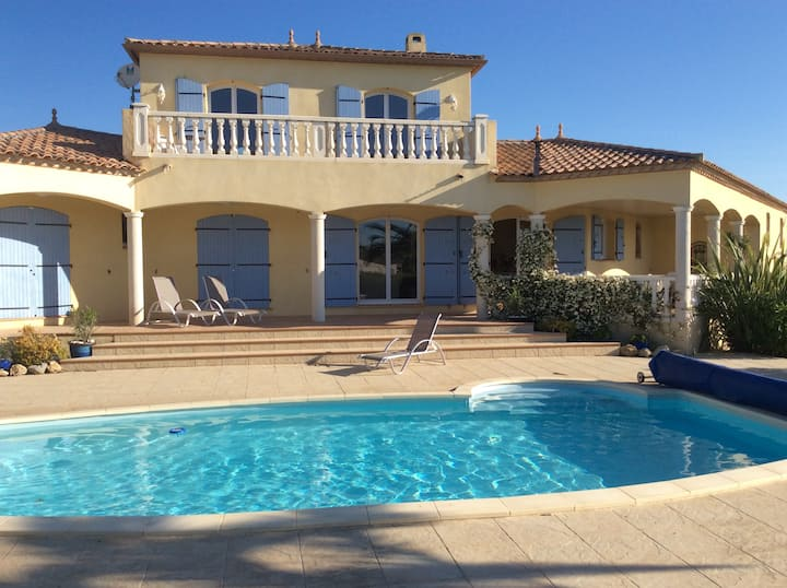 Villa Jorjade with private swimming pool, sleeps 6