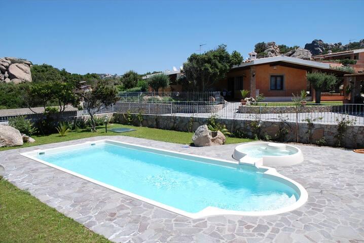 Villa esclusiva con piscina privata - Rena Majore