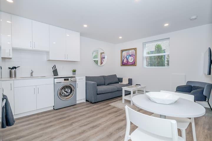 Modern, Clean, Private, Kitsilano Apartment