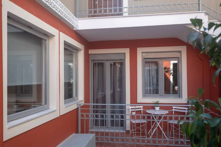 Athenian Yard Suites 40 Sq.m with balcony