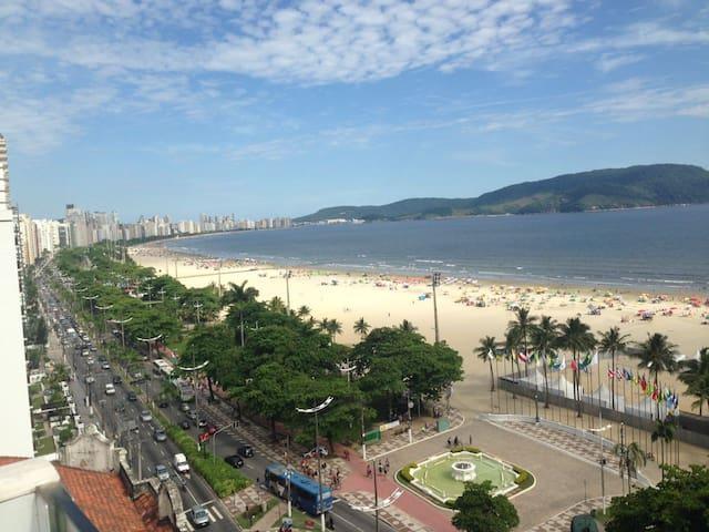frente á praia  Santos, Gonzaga, ar condic, wi-fi