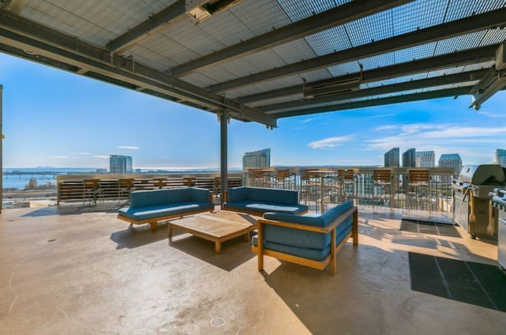 1300 sq ft urban loft with rooftop terrace lofts for for Mattress cleaning service san diego
