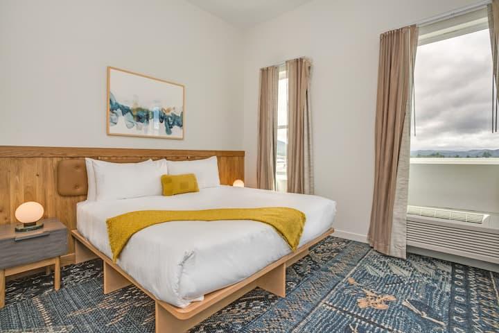 Premium One Bedroom Suite at SaltLine Hotel