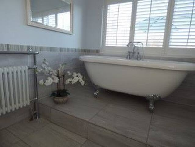 Large family bathroom & shower room