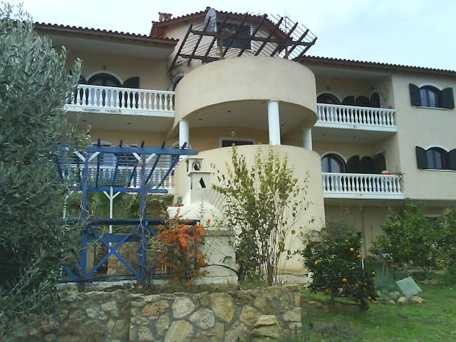 Lazaris house - Livanates