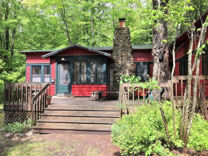 Historic Cedar Springs Lodge