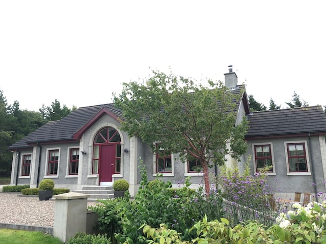 Modern room beside International airport, Antrim - Antrim - Bed & Breakfast