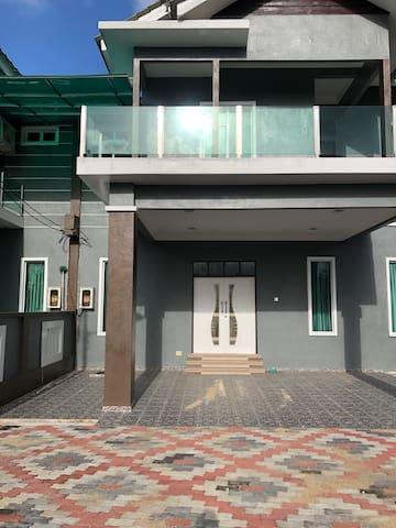 Homestay Wan Zul (New) Batu Buruk Kuala Terengganu