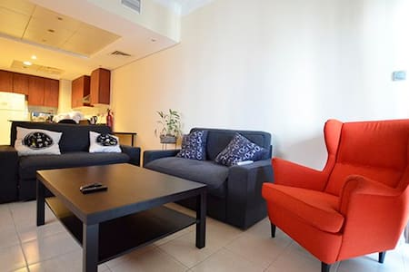 Furnished & Cozy 1 bedroom Lake View Tower JLT - Dubai