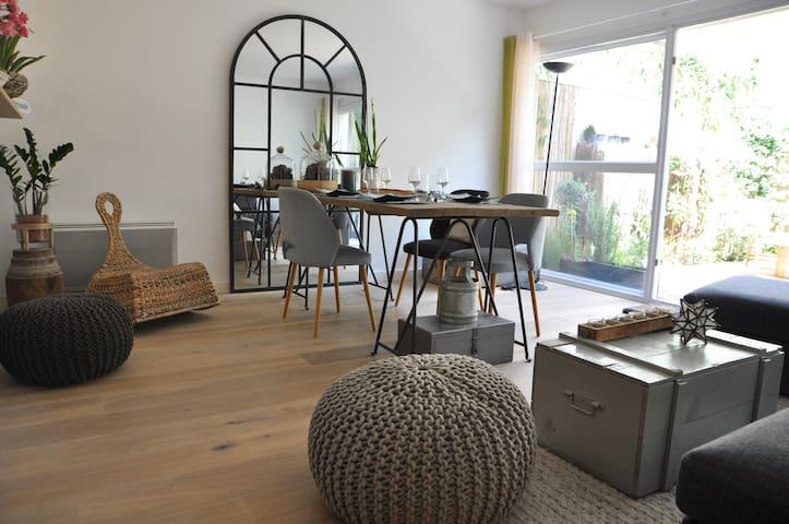 Jolie Maison 70m2 avec Jardin 4/6 p - Bordéus - Casa
